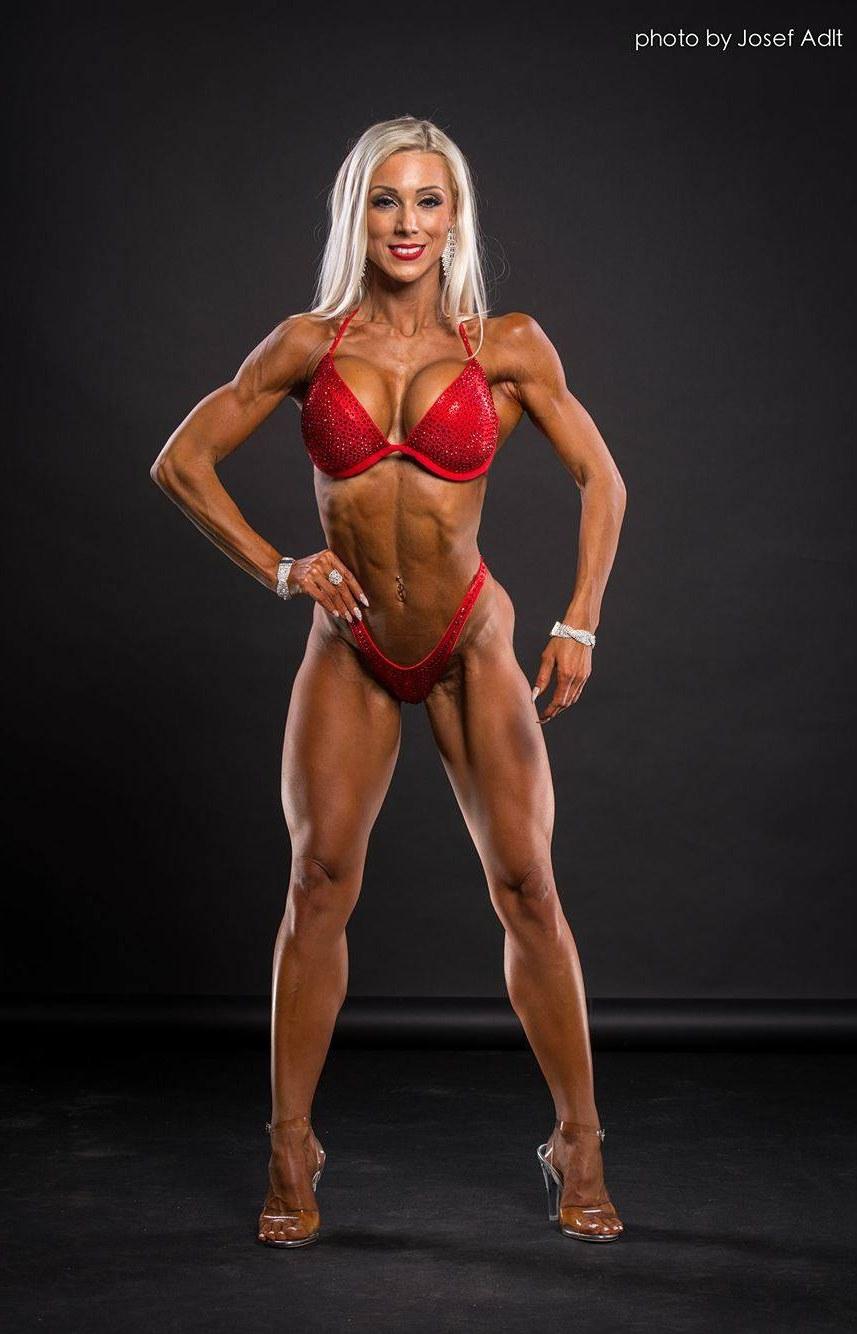 Jana Jandeková - absolutní vítězka bikiny fitness 2017